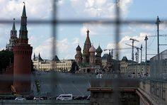 Die Verlängerung der Wirtschaftssanktionen gegen Russland ist eine Folge von Trägheit und dem Fehlen klarer politischer Konturen, meint Alexej Puschkow, Mitglied des Verteidigungs- und Sicherheitsausschusses beim Föderationsrat (Russlands Oberhaus).