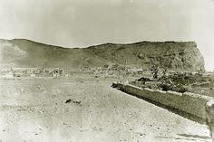 Vista del Morro de Arica desde el borde del sector del Fuerte San José. 1880