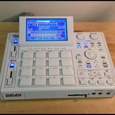 Akai MPC 1000 New Hip Hop Beats Uploaded EVERY SINGLE DAY http://www.kidDyno.com