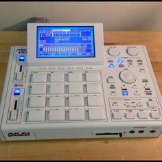 Akai MPC 1000 New Hip Hop Beats Uploaded EVERY SINGLE DAY http://www.kidDyno.com