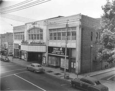 Built in 1917 as the Edgmont Theater. Transfered to the Stanley Company in 1924 and renamed Stanley Theatre. Delaware County, Delaware River, Movie Theater, Chester, Old Houses, Old Photos, Pennsylvania, Street View, United States