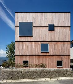 Abode of the Continuous Layer / Matsuyama Architects and Associates