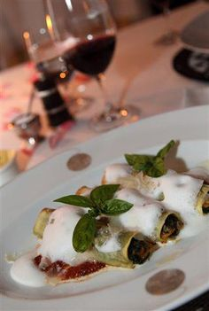 gourmet mushroom wraps. Mashed Potatoes, Safari, Stuffed Mushrooms, Veggies, Wraps, Dining, Ethnic Recipes, Food, Gourmet