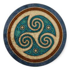 Dark Triskele Stickers Celtica - Celtic Knotwork Art & Design W. Schenck of man Triquetra, Celtic Patterns, Celtic Designs, Celtic Symbols, Celtic Art, Celtic Dragon, Celtic Knots, Celtic Tattoos, Ceramic Art