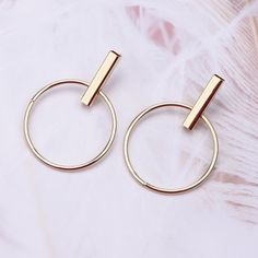 Available in Gold and Silver, Post Earring 80s Earrings, Black Earrings, Pearl Earrings, Earring Hole, Earring Trends, Pearl Design, Hole Punch, Tragus, Bangles