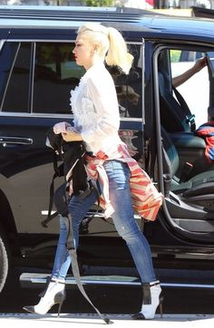 Gwen Stefani Photos - Gwen Stefani Takes Her Kids to Church - Zimbio