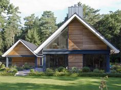 Modern Villa Design, Dream House Exterior, Stone Houses, House Layouts, House In The Woods, Building Design, Modern Architecture, Future House, House Styles