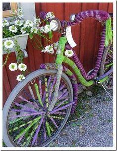 pretty yarnbombed bike, via Swedish blog 'in my house'