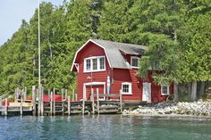 One of these lakeside properties—from a sleep-a-crowd compound to a real-deal lighthouse—is sure to float your boat. Float Your Boat, Lakefront Homes, Lake Huron, Photo P, Cabins And Cottages, Architectural Features, Real Estate, Architecture, House Styles
