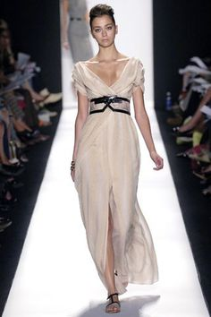 Carolina Herrera Spring 2007 Ready-to-Wear Collection Photos - Vogue