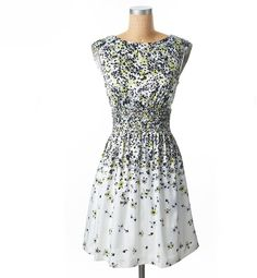 Jessica Simpson Dropping Daisy Floral Dress