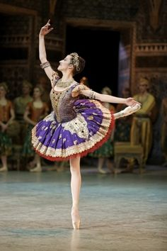 La Bayadère (Gamzatti), Paris Opera Ballet, designed by Franca Squarciapino, photo by Sébastien Mathé