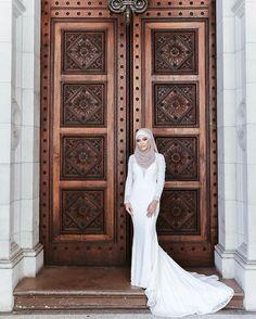Ceyda  . . #hijabmurah #dress #fashion #weddingday #hijab #hijabi #hijabers #hijabfashion #hijabstyle #muslimah #hijaboutfit #hautecouture #hijabootd #hijaber #gown #melbournewedding #makeuplover #bridalmakeup #weddings #bride #couture #turkishfollowers #elbise #hijabista #gelin #abiye #greenweddingshoes #weddingdress #turkinstagram #melbournephotographer