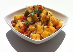 Polenta fredda in insalata. la ricetta qui: http://www.unavnelpiatto.it/ricette/polenta-fredda-in-insalata.php