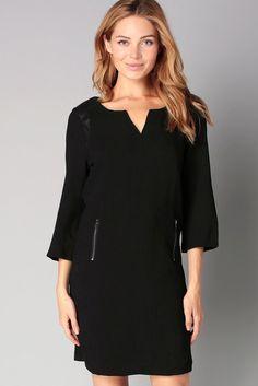 Robe noire épaules détails simili cuir Samantha So Essential sur MonShowroom.com