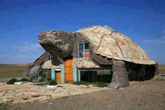 The Turtle House, Gobi Desert, Mongolia. I'm not sure what the Turtle House is used for bit I would love to go in side and have a look around :) Unusual Buildings, Interesting Buildings, Amazing Buildings, Tortoise House, Tortoise Turtle, Architecture Cool, Crazy Houses, Weird Houses, Unusual Homes