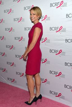 Amy Robach Photos - Good Morning America news anchor Amy Robach attends the 2016 Forbes Women's Summit at Pier Sixty at Chelsea Piers on May 2016 in New York City. Beauty Stuff, Hair Beauty, Amy Robach, Photos 2016, News Anchor, Good Morning America, Breast Cancer, Hot Pink, Short Hair Styles