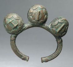 Africa   Bracelet with three bells from the Akan people   Bronze alloy   240€ ~ sold (Apr '14)