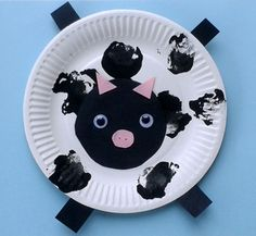 I am excited to welcome Nicola from Multicraftingmummyto the blog today. She will be sharing some fun crafts for toddlers. These Paper Plate Baby Farm Animals are easy for kids to make and just so cute! Read on to find out how to make them and learn more about Nicola. Thanks so much to Vicky …