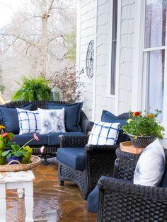 Duke Manor Farm - Design,Decor and Outdoor Farm Living Outdoor Rooms, Outdoor Living, Outdoor Furniture Sets, Outdoor Decor, Outdoor Ideas, Outdoor Patios, Furniture Ideas, Manor Farm, House With Porch