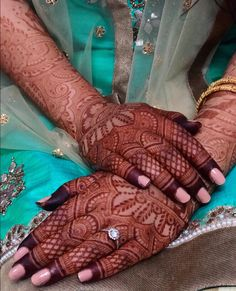 When the colour of your mehendi on the very next day is so dark, there can only be one explanation. you're just so loved! Palm Henna Designs, Khafif Mehndi Design, Modern Mehndi Designs, Mehndi Design Pictures, Wedding Mehndi Designs, Dulhan Mehndi Designs, Beautiful Henna Designs, Latest Mehndi Designs, Mehndi Designs For Hands