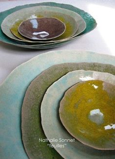 Soft coloured ceramic plates - Galerie Iroha click now for info. Ceramic Tableware, Ceramic Clay, Ceramic Bowls, Ceramic Pottery, Pottery Art, Earthenware, Stoneware, Sculptures Céramiques, Pottery Classes