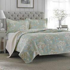 Laura Ashley Lifestyles Brompton Serene Reversible Quilt Set