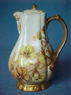 OLDWARES AUCTIONS ANTIQUES & COLLECTIBLES Old Haviland Limoges France Chocolate Pot Offered on auction with no reserve is this very nice & old Haviland, Limoges, France chocolate pot. It has a beige