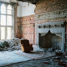 Crumbling home. Gorgeous details. wwwooowww... it's like a scene at the end of Interview With The Vampire, when Lestat is sitting in the creeky old armchair...