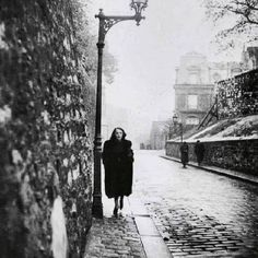 Edith Piaf by Brassai 1930