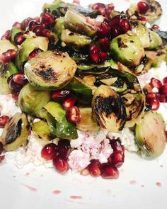 """Recipes By Audrey Adrinè on Instagram: """"Brussels sprouts with garlic!  I dont know about you but I always look for new and interesting ways to cook my green veggies to keep me…"""" Green Veggies, Vegetables, Brussels Sprouts, Garlic, Salads, Cooking, Recipes, Instagram, Food"""