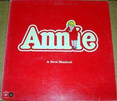 "Annie ""Original Cast"" Quadrophonic Vinyl Record w/booklet 1977"