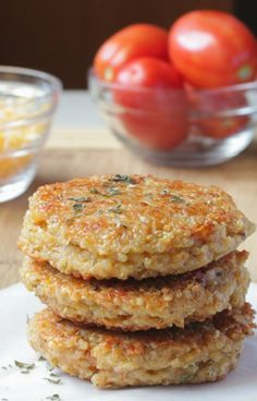 These Sun-dried Tomato and Mozzarella Quinoa Burgers are crazy delicious and full of flavors that will leave you satisfied after dinner.