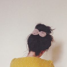 to pin up those little fly aways. Pretty Images, Little Bow, Messy Bun, Playing Dress Up, Cute Hairstyles, Well Dressed, Pin Up, Hair Beauty, My Style
