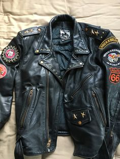 Custom Leather Jackets, Vintage Leather Jacket, Biker Leather, Motorcycle Leather, Edgy Outfits, Cool Outfits, Battle Jacket, Cool Jackets, Mens Clothing Styles