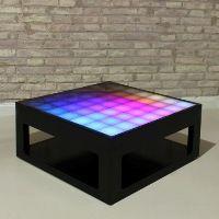 Table basse interactive avec des lumières LED Mypixeek.