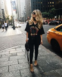 Casual and comfy every day outfit ideas for women school Mode Outfits, Casual Outfits, Fashion Outfits, Fashion Trends, Grunge Outfits, Ladies Fashion, Cute All Black Outfits, Black Hat Outfit, Black Jeans Outfit Winter