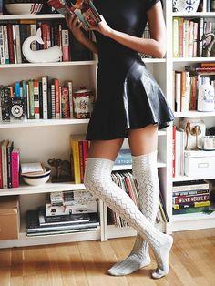 Freie Leute Frauen Filomena Overknee Socke skirt skirt skirt skirt outfit skirt for teens midi skirt Thigh High Socks Outfit, Knee Socks Outfits, Knee High Socks Outfit, Over Knee Socks, Black And White Socks, Stockings Outfit, Style Feminin, Tall Socks, Cute Socks