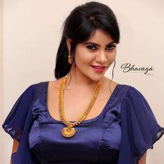 Beautiful Girl In India, Beautiful Indian Actress, Beautiful Actresses, Beauty Full Girl, Beauty Women, Wine Hair, Indian Girl Bikini, Tamil Actress Photos, Indian Beauty Saree