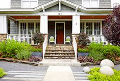 Be the trendiest house on the block by using some of these curb appeal ideas. See how to style your garden, front steps, walkway, front door and porch furniture to create a welcoming space. Up House, House Front, House Inside, Farm House, Porch Furniture, Office Furniture, Front Steps, Cottage Style Homes, Front Yard Landscaping