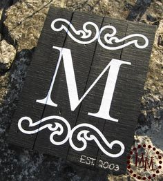 Guest Post: Monogram Wall Art From The Scrap Shoppe - Erin Spain Monogram Wall Art, Monogram Signs, Diy Wall Art, Vinyl Monogram, Painted Monogram, Wall Decor, Pallet Crafts, Pallet Art, Wood Crafts