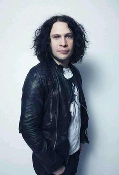 Ray's hair decreased in poofy-ness