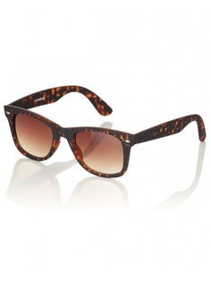 Mens brown wayfarer sunglasses with chunky tortoiseshell frames and moulded nose pads We Are Festival, Fashion Guide, Wayfarer Sunglasses, Fashion Essentials, Tortoise Shell, Festival Fashion, Fathers Day Gifts, Style Guides, Gift Guide