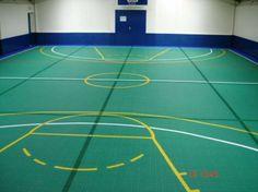 Sporthalle mit Bergo MULTISPORT in grün Spielfeldmarkierungen