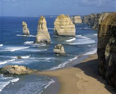 Mad Travel Shop has got all the best deals!! Backpacker Escapes Tour | Great Ocean Road Tour | Mad Travel Shop