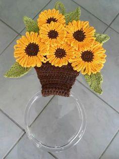 25 Love Crochet, Crochet Motif, Irish Crochet, Crochet Doilies, Crochet Towel Holders, Crochet Towel Topper, Crochet Flower Patterns, Crochet Designs, Crochet Flowers