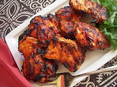 Tandoori Chicken is one of the most famous dishes in Indian Cuisine. It is a chicken dish that originated in Punjab region of India. Grilled Tandoori Chicken, Tandori Chicken, Roasted Chicken, Indian Food Recipes, Asian Recipes, Healthy Recipes, Ethnic Recipes, Arabic Recipes, Indian Foods