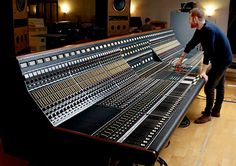 Commissioning the Neve desk