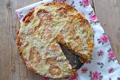 Zin in een appeltaart maar geen tijd of zin om lang in de keuken te staan? Probeer dan eens deze appeltaart zonder kneden! Lekker en heel simpel te bereiden