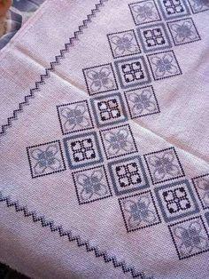 Cross Stitch Borders, Cross Stitch Rose, Modern Cross Stitch, Cross Stitch Designs, Cross Stitching, Cross Stitch Patterns, Embroidery Motifs, Ribbon Embroidery, Cross Stitch Embroidery